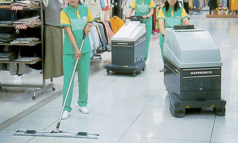 施設清掃管理風景
